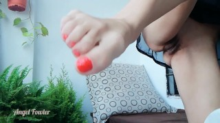 MILF XXX :FOOT FETISH Painting Red Nail Polish Nude Pussy Sexy MILF WITHOUT Panties Doing Quick Pedicure